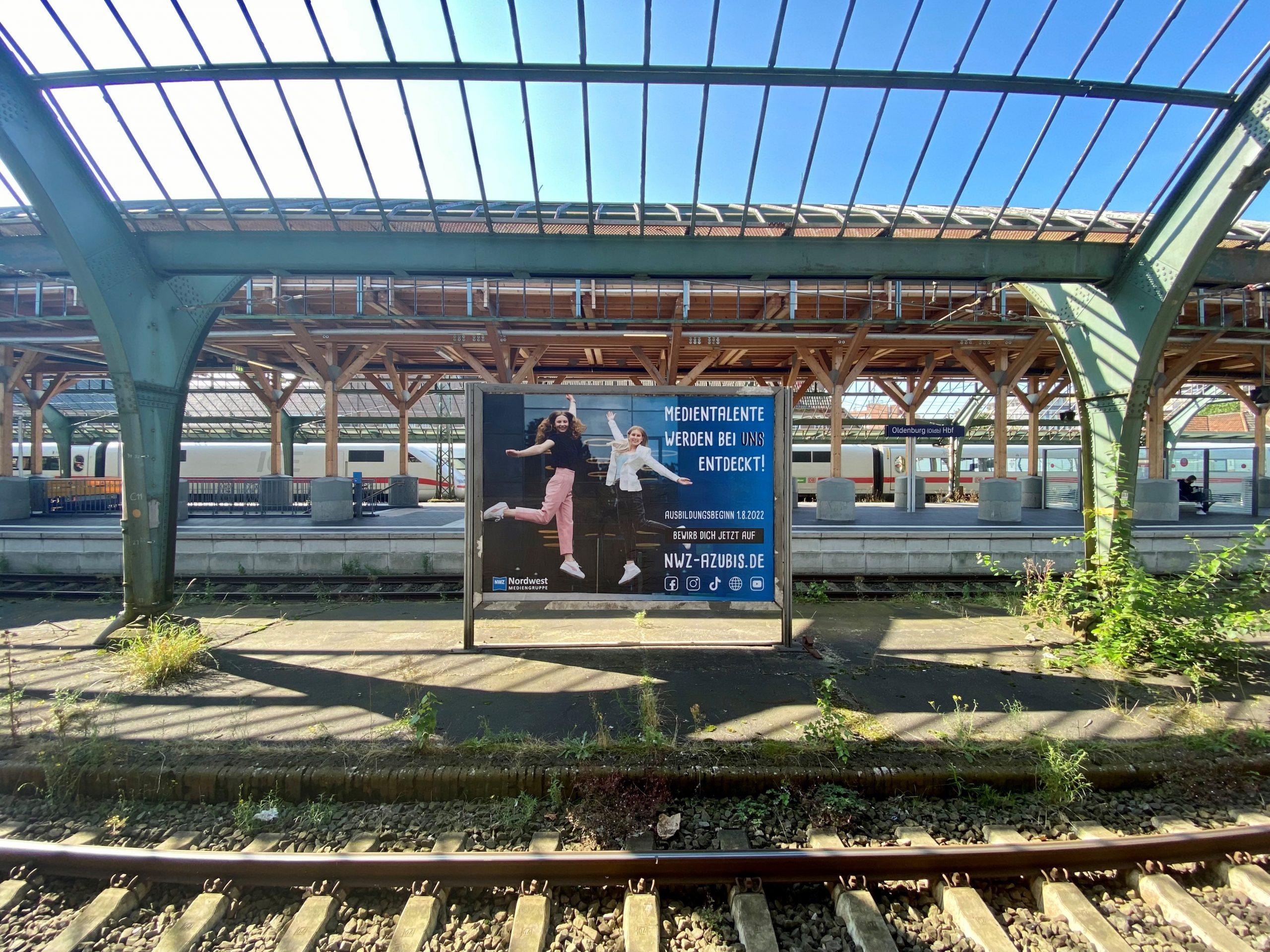 Plakat am Oldenburger Bahnhof